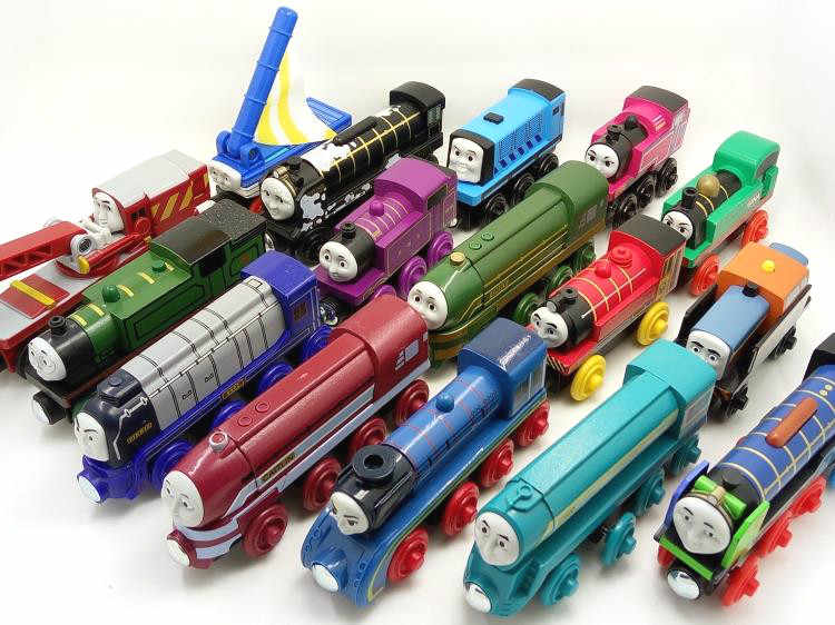 Wooden Trains Magnetic connector Trains Compatible with Brio Brand Tracks Railway Locomotives Toys for Children