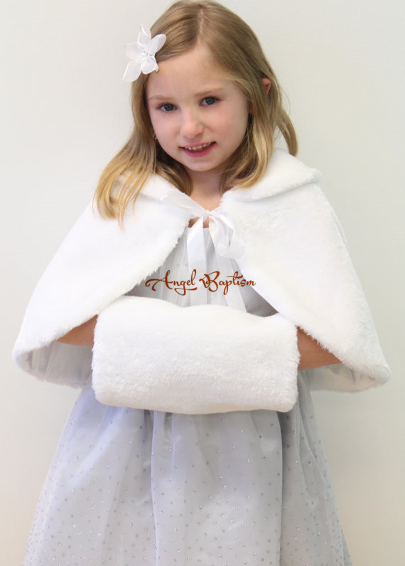 New Short Fall Winter wedding warm white/ivory flower girl faux fur cape princess thick  jacket wrap kid bolero with hand muffs long flower girl cape winter princess junior bridesmaid cape wedding cloak with fur trim with hand warmer for communion dress