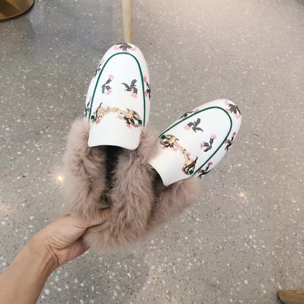 Hot Instagram Women Mules Fur Slides Flat Heel Casual Loafer Shoes Fashion Chain Slides Autumn Slippers Furry Slipper Big Size faux fur trim loafer mules