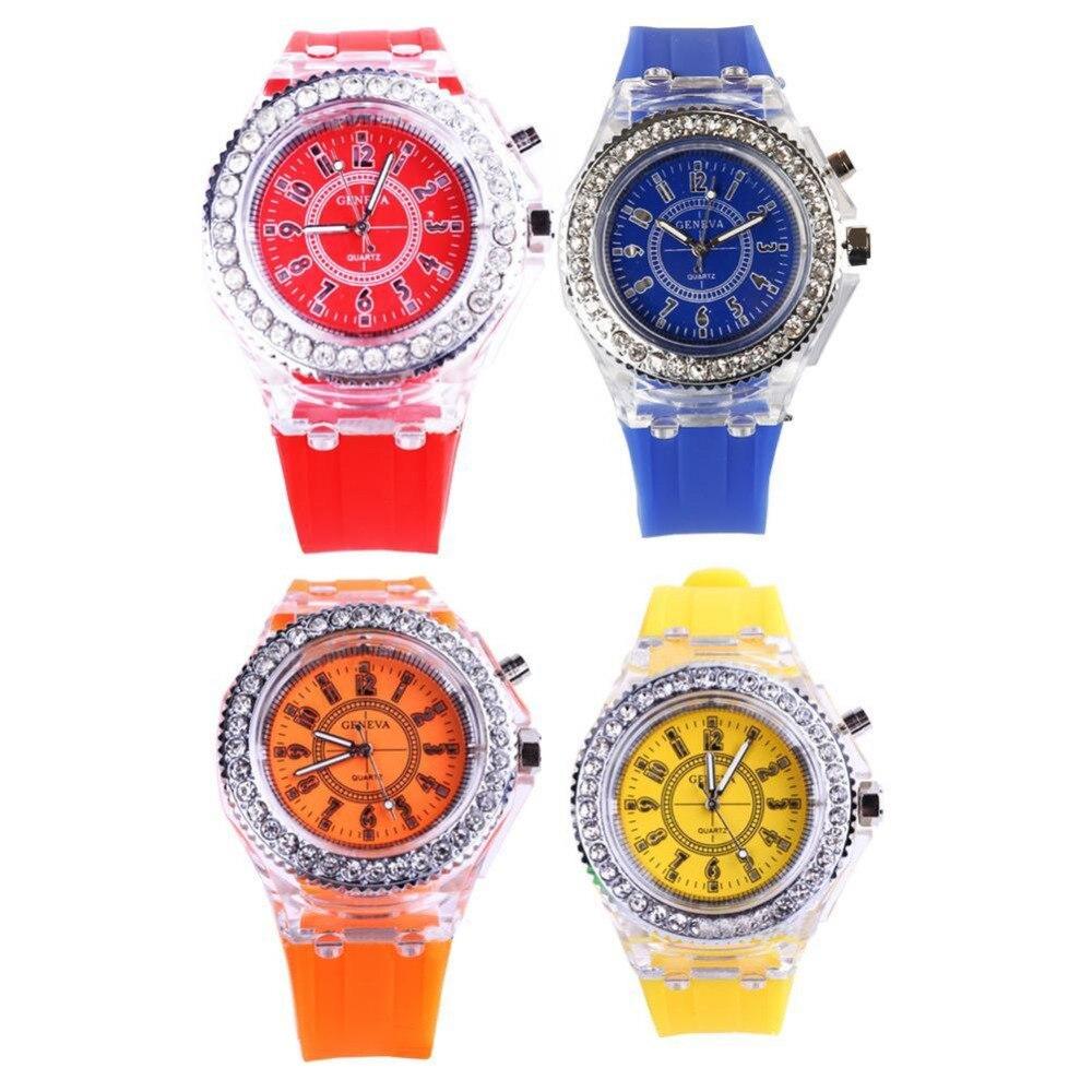 8c350ff74aaa Luminoso LED deporte mujeres Relojes de cuarzo reloj de los hombres ...