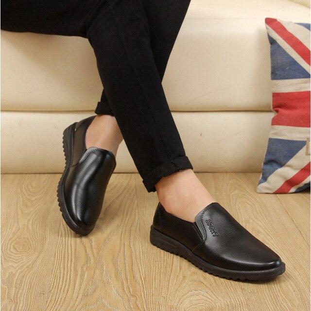 10ed94295e SexeMara 2018 marca de lujo de cuero Casual conducción Oxfords zapatos  hombres mocasines zapatos italianos para