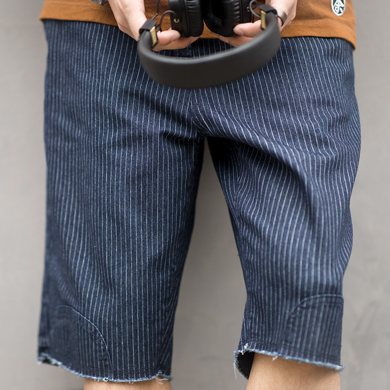 Men's Regular Fit Striped Knee Length Casual Shorts Elastic Drawstring Waist Navy Blue
