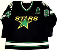 Vintage Men s  9 MIKE MODANO Dallas Stars Hockey Jersey Embroidery Stitched  Customize any number and name 289ba9f5c