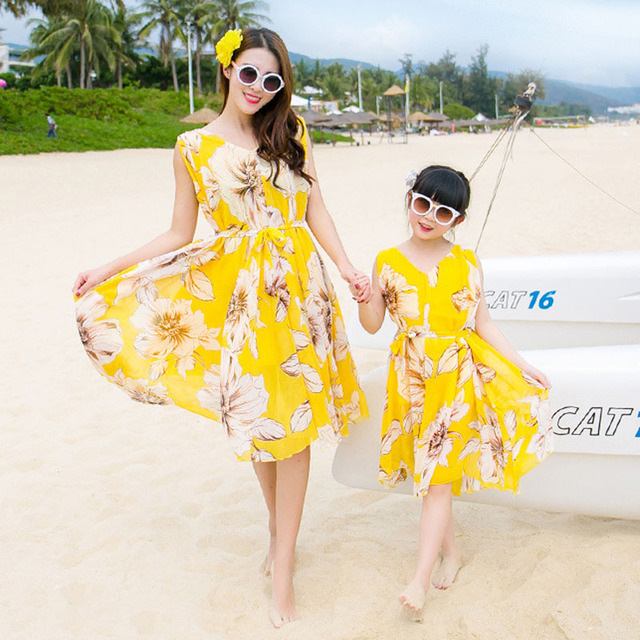 Mother Daughter Family Matching Outfits 2016 Summer Yellow Flowers Beach Dresses Look Boho Chiffon Dress
