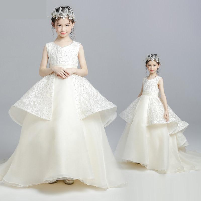 купить Girls Wedding Princess Dresses White Enchanting Christening Tutu Dress Baby Baptism Ball Gown Lace Applique Ivory Custom Outfit по цене 11238.63 рублей