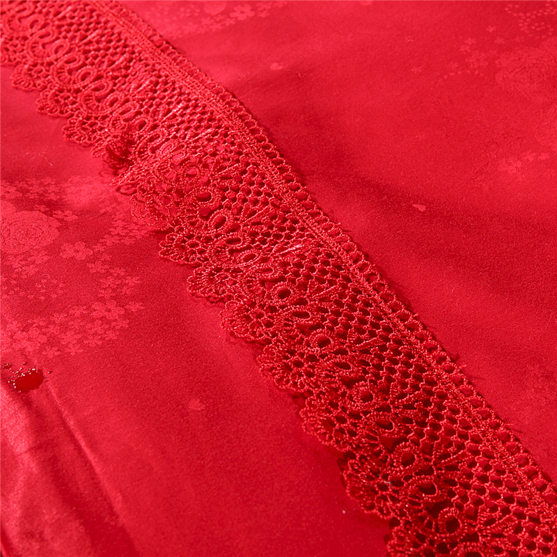 2018 Love Heart Red Embroidery Lace Border 100 Mulberry Silk Comforters Quilt Summer Winter Queen King Satin Cotton Fabric in Quilts from Home Garden