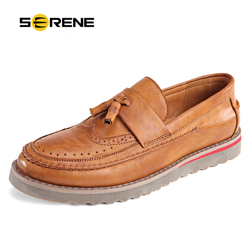 SERENE Brand 2018 Men Casual Loafers Retro British Shoes Carved Leather Slip On Moccasins Bullock Business Casual Men shoes 6318 serene brand cow leather boat shoes men casual lace up shoes lightweight breathable loafers slip on shoes men dress shoes 6200