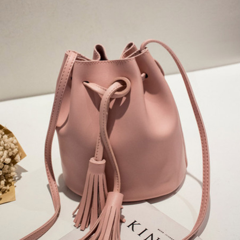 Vintage Small Bucket Bag Ladies Messenger Bags Soft PU Leather Tassel Handbags Crossbody Shoulder Bag For Women Girls Bolsas 2016 women messenger bags leather shoulder bag ladies handbags small crossbody purse satchel bolsas fashion tote bags