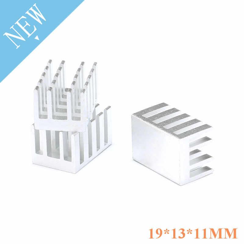 10 個のヒートシンク 19 × 13 × 11 ミリメートルパワーアンプアルミヒートシンク高品質ラジエーターモジュールラジエーターのための特別な冷却