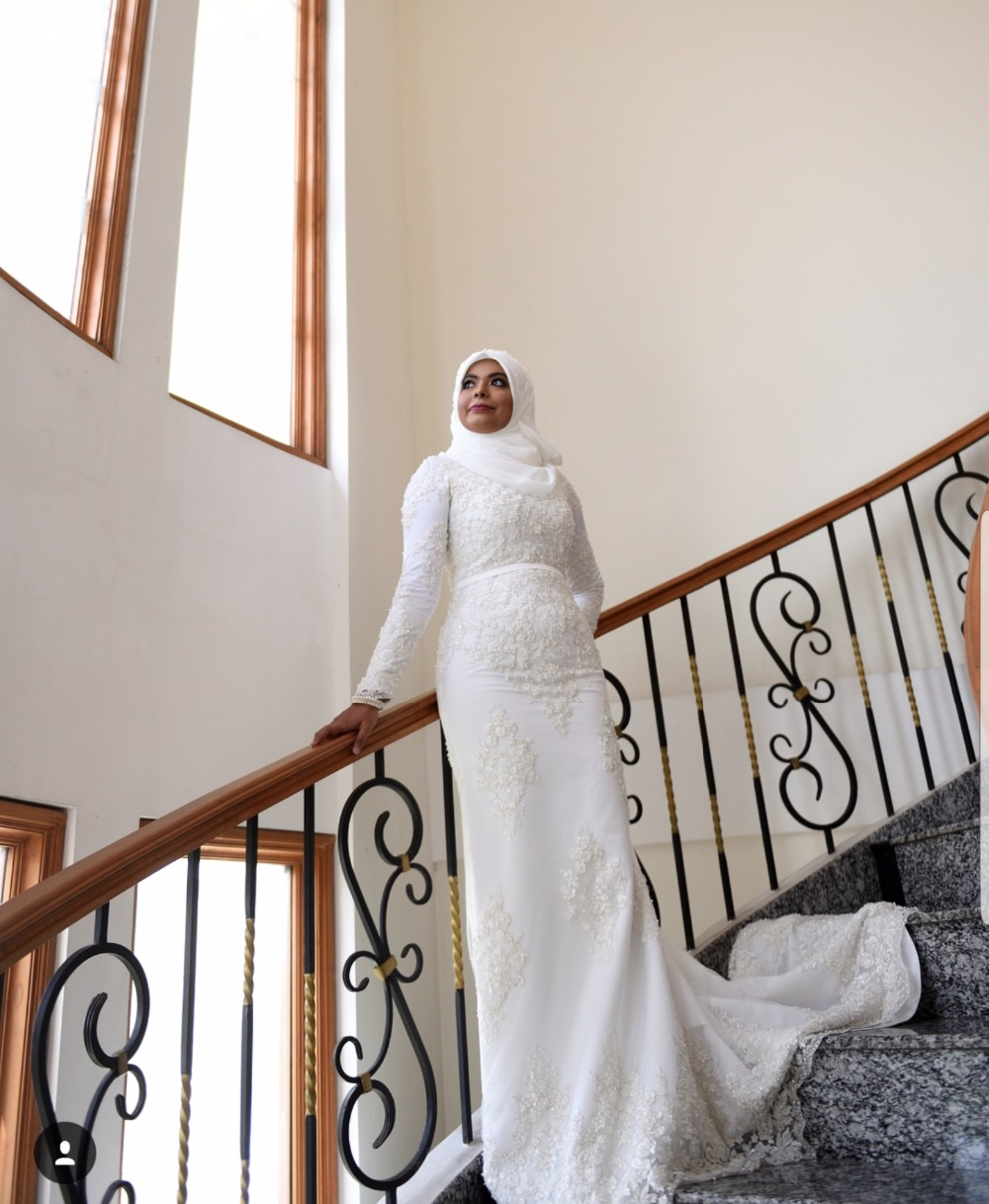 Beauty High Neck Muslim Wedding dress long Saudi Arabic Bridal gown Long Sleeves Lace Bridal Gowns