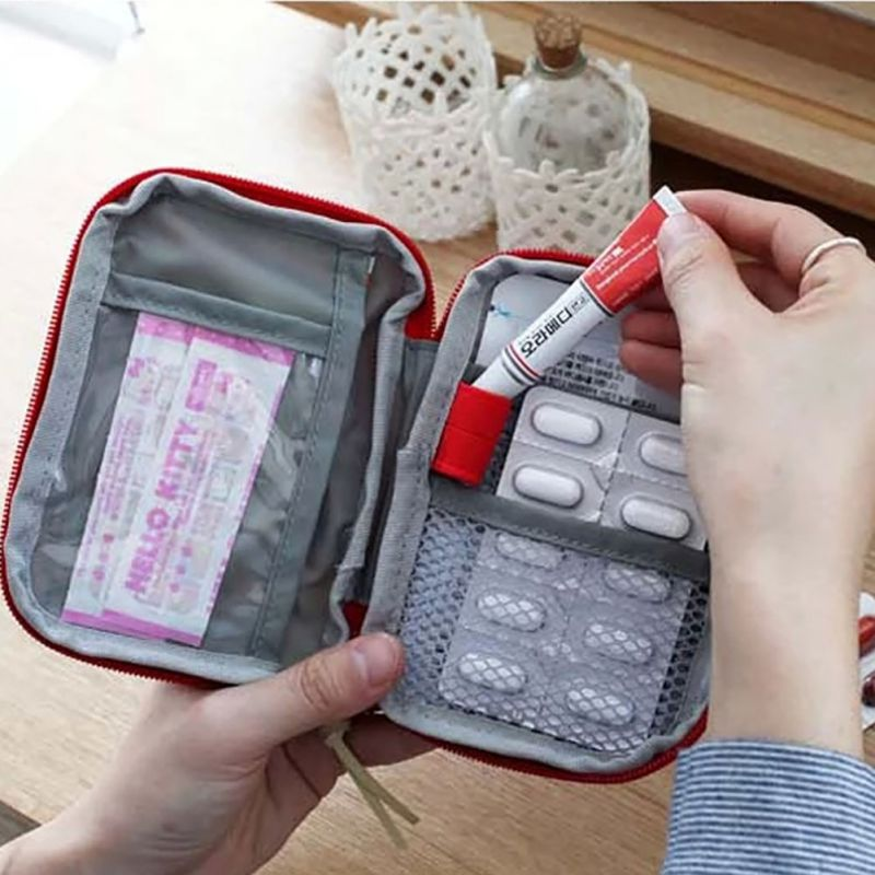 Small Medicine Kit Easy Carry Home Outdoor First Aid Emergency Medical Survival Kit Bag Wrap Gear Bag 6121wn