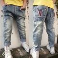 O envio gratuito de novos chegada das crianças calças de brim do menino calças jeans primavera/outono do menino calças lazer cowboy