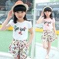 Горячая распродажа! 2016 новый летний комплект детей две девушки с коротким рукавом + шорты костюм большим ребенком цветочный комплект оптовая продажа