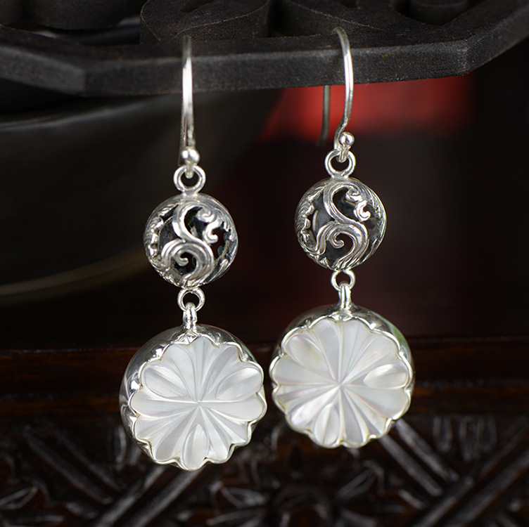 ornaments wholesale archaize hollow-out Thai silver shell carving flower earrings the earrings manufacturers selling a suit of retro carving hollow out bead tassel necklace and earrings for women