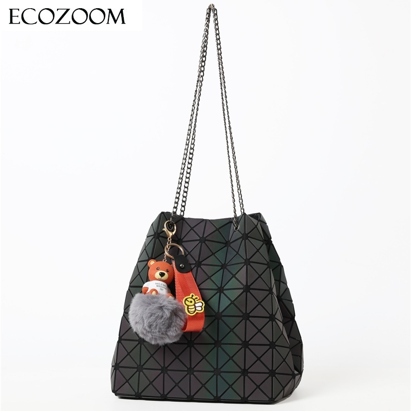 Fashion Women Chain Drawstring Bucket Bag Folding Bag Girl Geometric Shoulder Bag Luminous Bear Ornaments Handbag