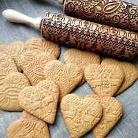 New Christmas Embossing Rolling Pin Wooden Engraved Rolling Pin Embosse Cookies Biscuit Cake Engraved Roller Reindeer Snowflake