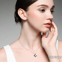 цена на Romantic sterling silver butterfly simple pendant necklace ladies charming jewelry joyas de plata 925 Gift N003