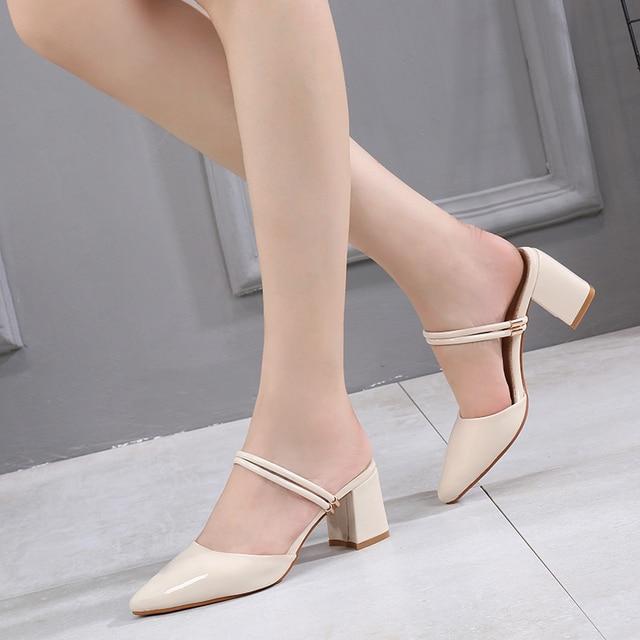הקיץ לובש סנדלי נקבה 31 גודל קטן 32 גבוהה עקבים 33 עבה עם בנות סטודנטים פטנט עור חלק נעלי נשים