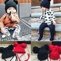 Прекрасные Вязаные Детские Шапки Мальчики Девочки Малышей Вязания Шапочки Hairball ти Уха Детские Младенческой Hat Милые Дети Малыш Шапки Черный красный