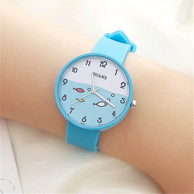 Cartoon children watch fashion Simple children's watches Digital Display Boys gi
