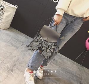 Image 4 - Willsrain אישה אופנה שחור תרמיל עם כנף טובה באיכות ייחודי עיצוב מלאך pu ליידי תיק שיק בגיל ההתבגרות תרמיל boslo