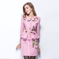جودة عالية جميلة يزين الوردي النساء الدعاوى الأوروبية أزياء كاملة كم O_neck مجموعات قمم + تنورة قصيرة ضئيلة أنيقة