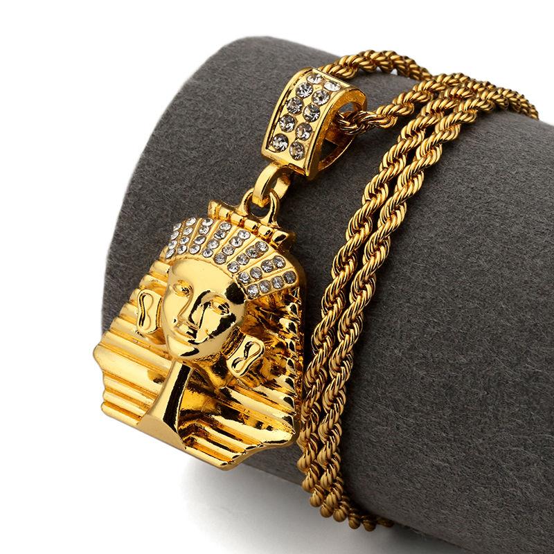 NYUK Pharaon Roi Hommes Or Pendentifs Rhinstone Egypte Charme Collier Hip  Hop Bijoux De Mode Pour Hommes Femmes Avec Beau Cadeau boîte 9c23d6a241d