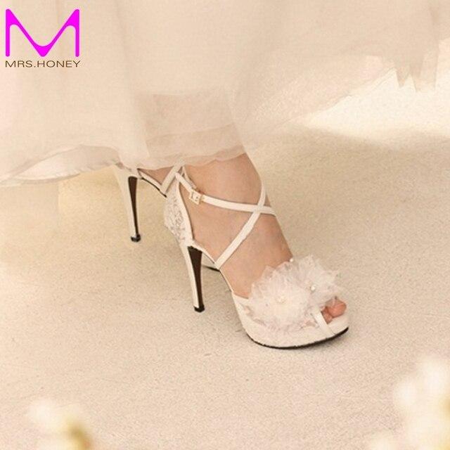 e888a2528 Белое кружево лодыжки-ремни свадебные туфли рукоделие аппликация женщины свадебные  туфли на высоком каблуке ну