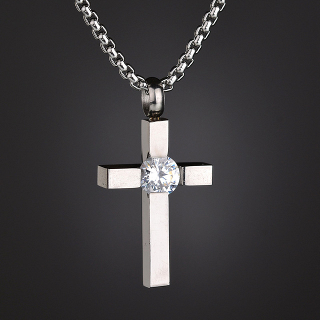 Women/'s Small Cubic Zirconia Cross Pendant Necklace in Stainless Steel