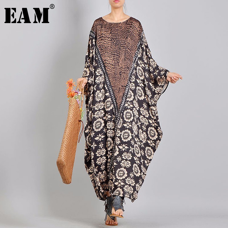 [EAM] 2018 New Summer Round Neck Long Batwing Sleeve Letter Flower Printed Thin Loose Big Size Long Dress Women Fashion Tide QD1