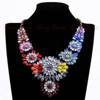 Attractive Elegance Fashion Vintage Gold Chain Black Red Yellow Green Color Resin Acryl Flower Party Bib