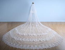 3 schichten Weiß Elfenbein Kathedrale Hochzeit Schleier 5 M Lange Spitze Rand Braut Schleier Mit Kamm Hochzeit Zubehör EE998