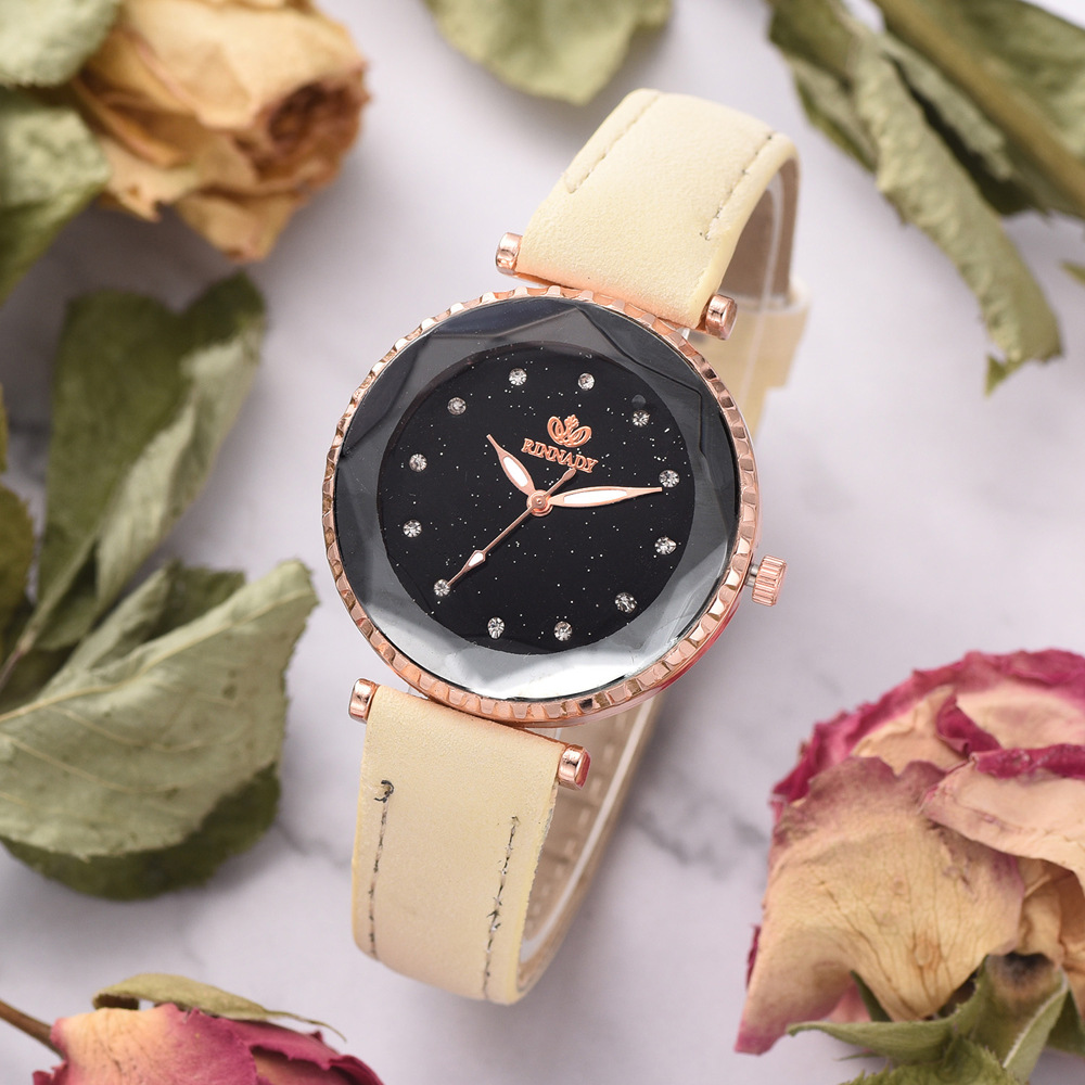 2019 Top brand men 39 s and women 39 s fashion leather watch simple quartz couple Waterproof watch clock gift in Women 39 s Watches from Watches