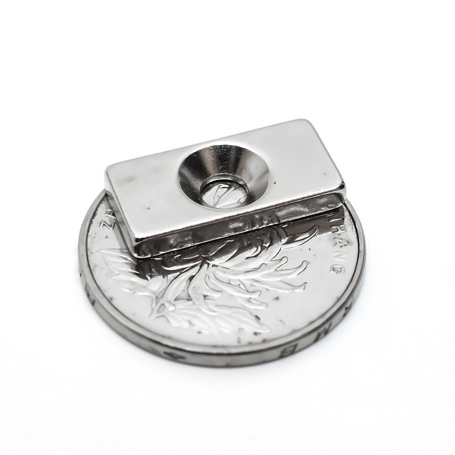 U-JOVAN 10pcs 20 x 10 x 3 mm 4mm Hole N35 Super Strong Rare Earth Ring Block Neodymium Magnet Fridge Magnets
