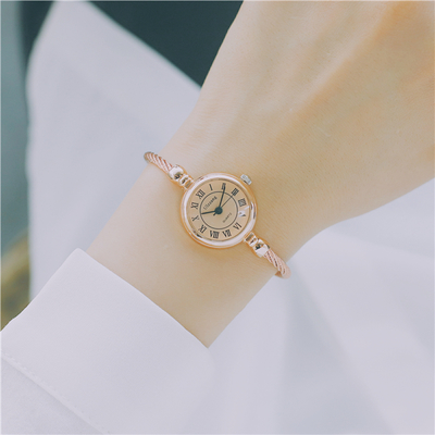 Personality bracelet watch student Korean version of the simple trend of retro entertainment atmospherePersonality bracelet watch student Korean version of the simple trend of retro entertainment atmosphere