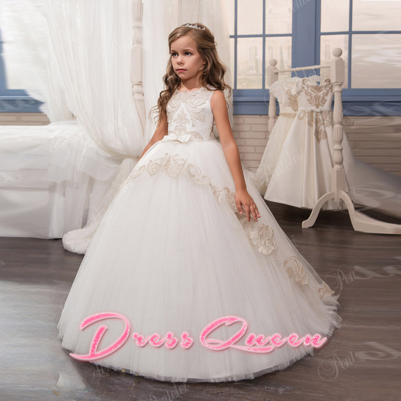 2017 Flower Girls Dresses For Weddings Hot Sale Tulle Lace Appliques Ball Gown Little Girls Pageant Gown First Communion Dress 2017 new flower girls dresses for weddings jewel lace appliques princess girls pageant dress first communion dress