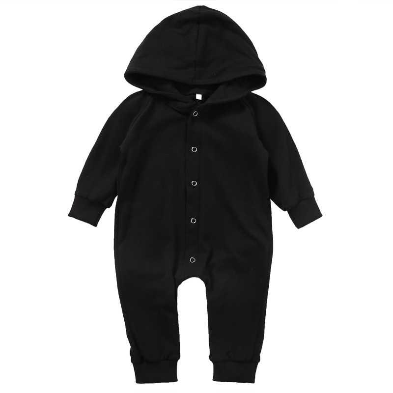Новинка 2017 года, комбинезон с длинными рукавами для новорожденных мальчиков, чистый черный хлопковый комбинезон на весну-осень, комплекты одежды с капюшоном для детей от 0 до 24 месяцев