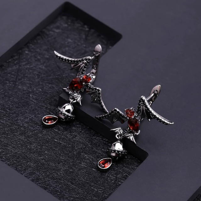 GEM'S BALLET Natural Garnet Gemstone Bat Earrings 925 Sterling Sliver Vintage Gothic Punk Drop Earrings For Women Party Jewelry