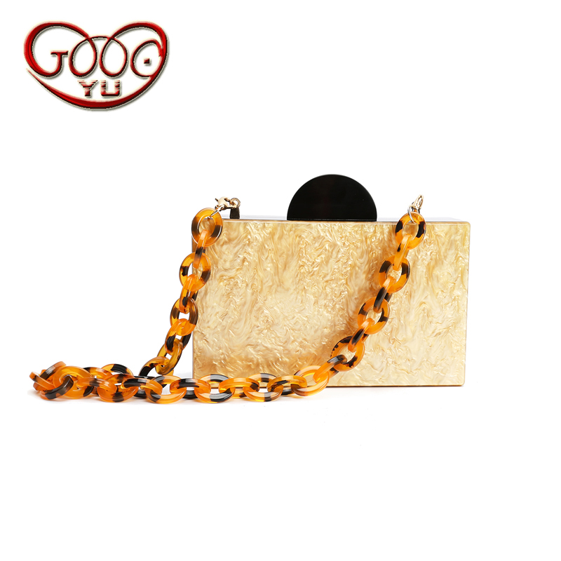 Europe and the United States fashion acrylic hand bag square character pattern snake chain shoulder Messenger small square bag hot fashion europe and the united states fashion oil wax kraft handbag vertical section zipper multi color ladies shoulder messe