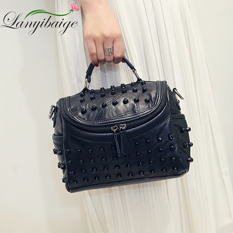 Fashion Women Messenger Bags Black Rivet Genuine Leather Shoulder Bag Sac a Main Crossbody Bags For Women Designer Handbags