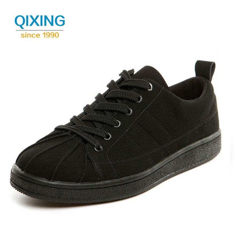 Prix pour Nouveaux Hommes de Planche À Roulettes Chaussures Superstar Sneakers Pour Hommes Avec Bas-top Lace Up Plat Chaussures de Haute Qualité Classique hommes de Sport Chaussures