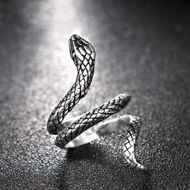 Bague de serpent