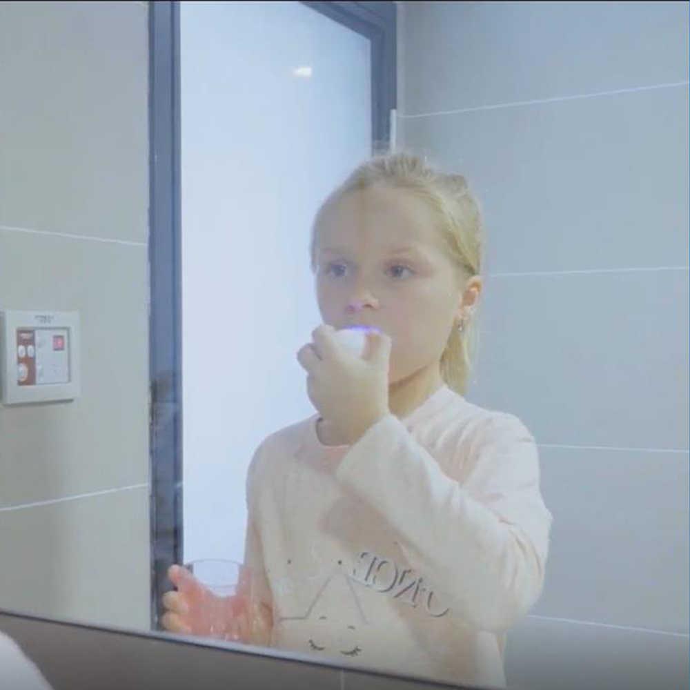 เด็ก Sonic ไฟฟ้าชาร์จแปรงสีฟันอัตโนมัติแปรงสีฟัน 360 องศา ultra Sonic Soft ซิลิโคนไฟฟ้าแปรงสีฟันเด็ก