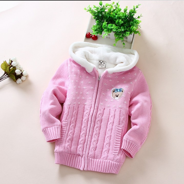 купить 2018 Fall Winter Girls Cartoon Bear Sweater Jacket Children's Cotton Cashmere Velvet Thick Coat Kid Hooded Knitted Cardigan G724 по цене 1835.25 рублей