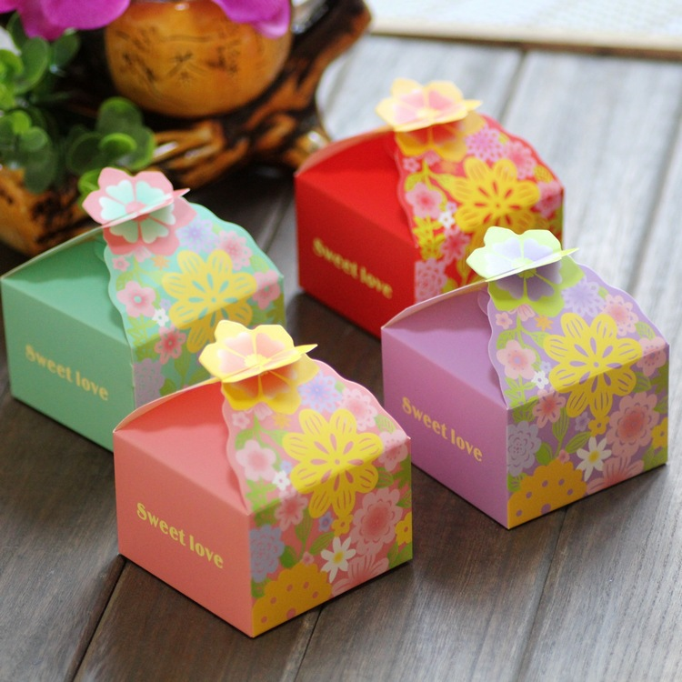 50PCS LOT Paper Flower Gift Box Pink Red Green Square Wedding Favor Boxes Party Candy Craft Kraft Sweet Lovely Cute In Bags Wrapping