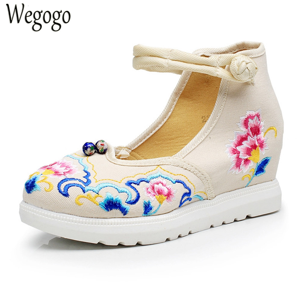 Vintage Women Pumps Flowers Embroidered Ankle Buckles Canvas Platforms Ladies Soft Casual Old Beijing Shoes  Zapatos Mujer vintage embroidery women flats chinese floral canvas embroidered shoes national old beijing cloth single dance soft flats