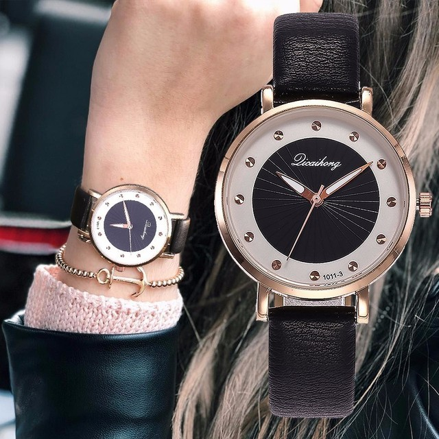164b00a8c8d Venda quente Mulheres Relógio de Strass Moda Casual Feminina de Couro  Vestido de Quartzo Relógios de
