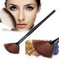 1 Pcs Magro Preto Punho De Madeira Escova Fã Pó Corretivo Highlighter Blending Brushes Acabamento Definidor Maquiagem Ferramenta de Beleza