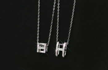 cffcae4f7a8f Nuevo pendiente de gota de corazón étnico hecho con cristales de elementos  de Swarovski de ...