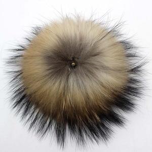 Image 3 - 5pcs/lot DIY 13cm 15cm Raccoon Fur Pompoms for Knitted Winter Hat Cap Real Fox Pom Poms For Beanies Scarves Real fur Pompons